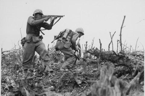 lossy-page1-750px-Photograph_of_a_Marine_Aiming_at_a_Japanese_Sniper_on_Okinawa_-_NARA_-_532559.tif