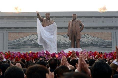 Statues of North Korea's founding presid