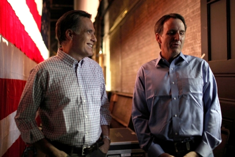 Romney Campaigns With Pawlenty In New Hampshire