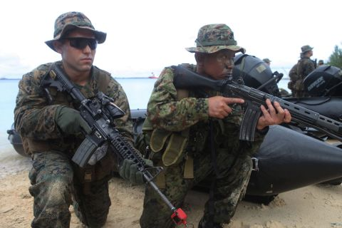 guam-marine-jgsdf-400x600
