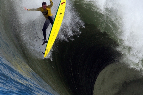 Mavericks Surfing Contest