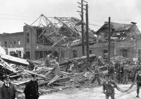 Workers at Ruins of Gainesville City Hall