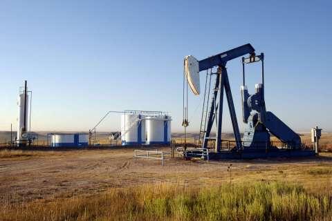 131712-oil-well