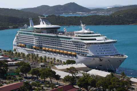 Caribbean Cruise Ship_Wong