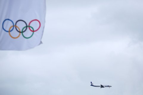 A passenger airliner arrives at Adler Airport ahead of the Sochi Winter Olympics on January 31, 2014.