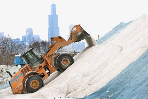 City Of Chicago Prepares For Another Winter Storm